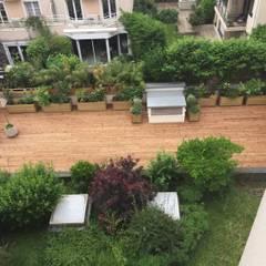 Terrasse à Paris: Terrasse de style  par DCPAYSAGE