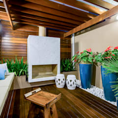 Anexos de estilo  por Juliana Lahóz Arquitetura, Ecléctico Madera Acabado en madera