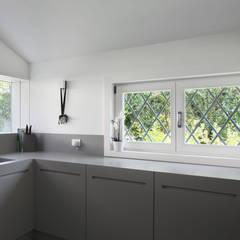 آشپزخانه by EXiT architetti associati
