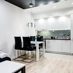 Z domieszką błękitu: styl , w kategorii Kuchnia zaprojektowany przez Perfect Space