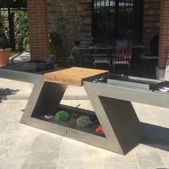 ZED EXPERIENCE relax in piscina: Piscina in stile in stile Moderno di ZED EXPERIENCE - indoor & outdoor kitchen