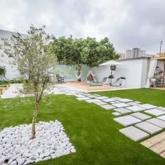 Jardines de estilo escandinavo por homify