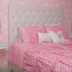 Habitación mariposa infantil : Habitaciones infantiles de estilo  por Monica Saravia
