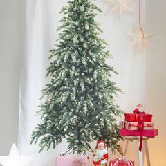 Klassische Weihnachten in Rot und Weiß:  Esszimmer von diewohnblogger