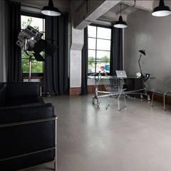 BIURO: styl , w kategorii Domowe biuro i gabinet zaprojektowany przez DECOculture