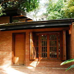 منازل تنفيذ Eduardo Novaes Arquitetura e Urbanismo Ltda.