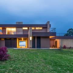 Casa del Patio Ecuestre: Casas de estilo  por David Macias Arquitectura & Urbanismo