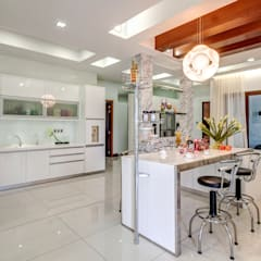 Majestic Contemporary | BUNGALOW :  Kitchen by Design Spirits