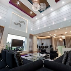 Majestic Contemporary | BUNGALOW :  Living room by Design Spirits, Minimalist