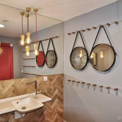 Toaleta: styl , w kategorii Biurowce zaprojektowany przez Pracownia Kaffka