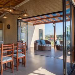 Terrace by Juliana Lahóz Arquitetura