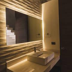 Rioja 103: Baños de estilo  por 2M Arquitectura