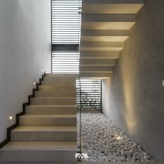 Corridor and hallway by 2M Arquitectura