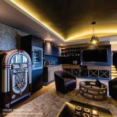 House Wolmarans:  Wine cellar by Coetzee Alberts Architects