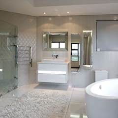 Residence Calaca:  Bathroom by FRANCOIS MARAIS ARCHITECTS
