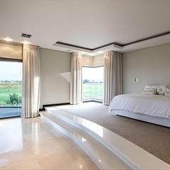 Residence Calaca:  Bedroom by FRANCOIS MARAIS ARCHITECTS