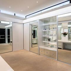 Residence Calaca Modern style bedroom by FRANCOIS MARAIS ARCHITECTS Modern