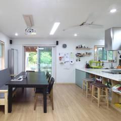 봉상리 주택: 위드하임의  주방