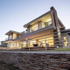 Teras oleh FRANCOIS MARAIS ARCHITECTS, Modern
