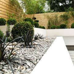 Small, low maintenance garden:  Garden by Yorkshire Gardens