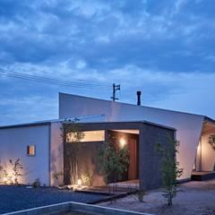 ホワイエのある家: toki Architect design officeが手掛けた家です。