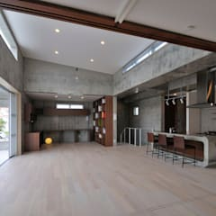Living room by 久友設計株式会社