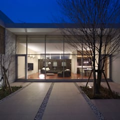 H COURT HOUSE: Atelier Squareが手掛けた庭です。