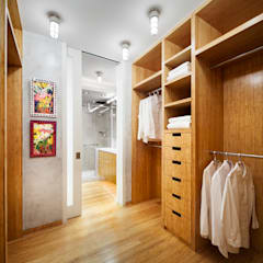 Central Park Bathroom, New York City:  Bathroom by Lilian H. Weinreich Architects, Modern Bamboo Green