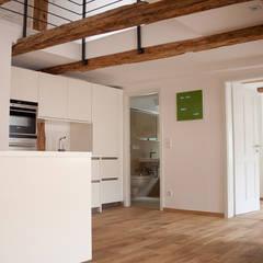 Sanierung MFH:  Küche von plusEnergieArchitektur