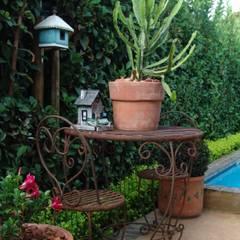 Piscines  de style  par Gorgeous Gardens, Méditerranéen