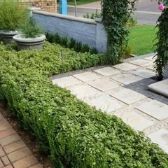 Woodhill:  Garden by Gorgeous Gardens, Mediterranean