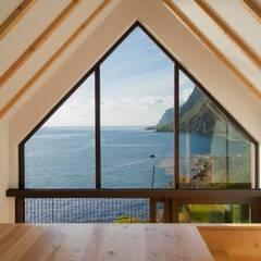 Surf Cabin: Hotéis  por Mayer & Selders Arquitectura