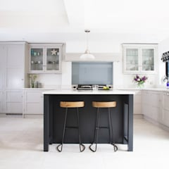 Classic, yet Contemporary:  Kitchen by Rencraft, Classic