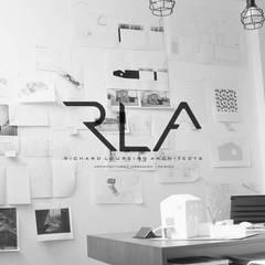 OFFICE: Escritórios  por RLA | RICHARD LOUREIRO ARCHITECTS