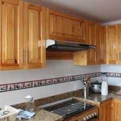 Remodelación Departamento LUHE: Cocinas de estilo  por Soluciones Técnicas y de Arquitectura