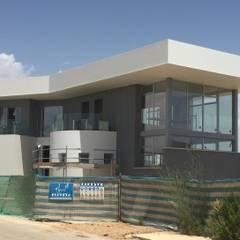 por DYOV STUDIO Arquitectura, Interiorismo José Sánchez Vélez 653 77 38 06 Mediterrâneo Pedra Calcária
