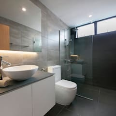 FERNWOOD TOWERS:  Bathroom by Eightytwo Pte Ltd,Scandinavian