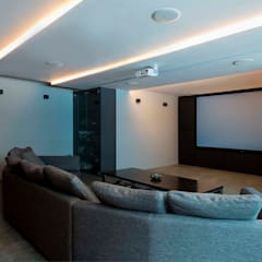 FRANKEL STREET:  Media room by Eightytwo Pte Ltd