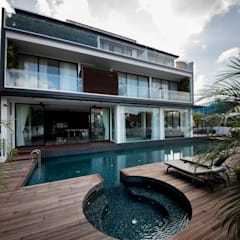 FRANKEL STREET:  Pool by Eightytwo Pte Ltd