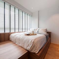 WATERCOLOURS:  Bedroom by Eightytwo Pte Ltd