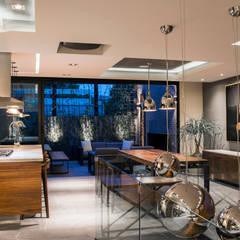 La Fontaine : Comedores de estilo  por Sobrado + Ugalde Arquitectos, Moderno
