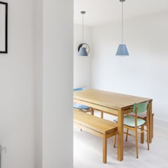 Dining Room:  Dining room by deDraft Ltd