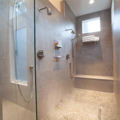 Master Bathroom Remodel:  Bathroom by RedBird ReDesign