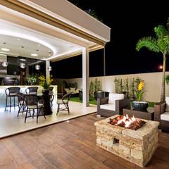 Casa Villa: Terraços  por Designer de Interiores e Paisagista Iara Kílaris,
