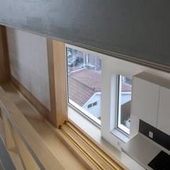 망원동 쌓은집: 에이오에이 아키텍츠 건축사사무소 (aoa architects)의  창문
