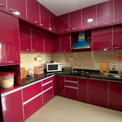 Hennur, Banaglore Project:  Kitchen by Kriyartive Interior Design