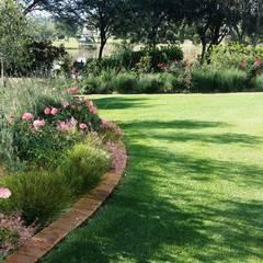 Boardwalk Meander Estate:  Garden by Gorgeous Gardens