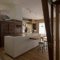 松戸市H邸: スタジオ・スペース・クラフト一級建築士事務所が手掛けたキッチンです。