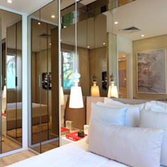 Dressing room by Chris Silveira & Arquitetos Associados