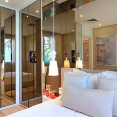 Ruang Ganti by Chris Silveira & Arquitetos Associados
